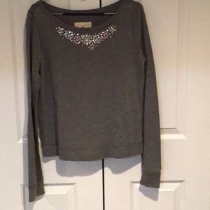 Sweatshirt with gems
